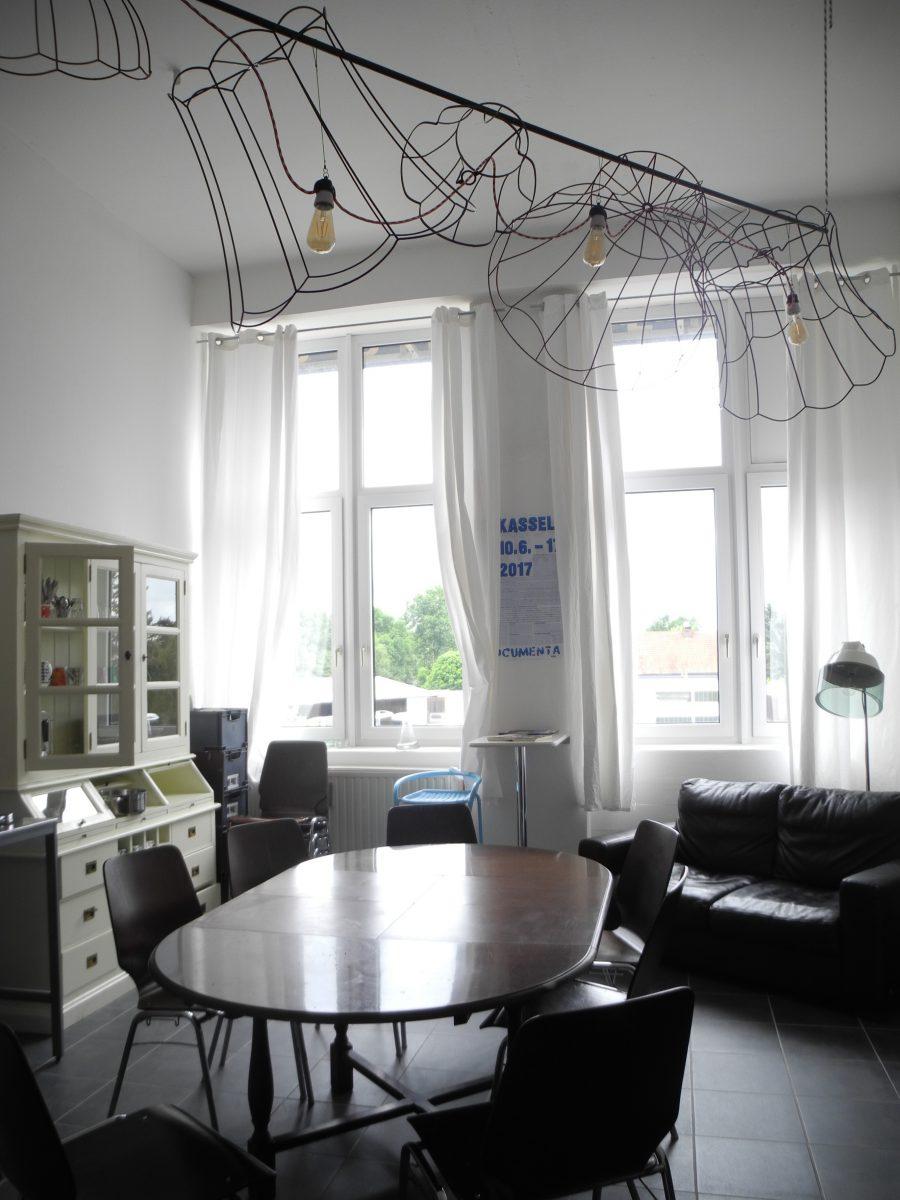 Tisch Stühle Hostel Kassel Sandershaus